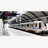 Delhi woman dragged on platform after sa...