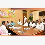 Leaders from Maharashtra meet Telangana ...
