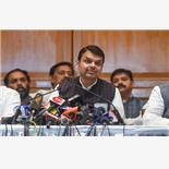In overnight twist, Devendra Fadnavis ta...