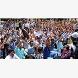 Teachers stage dharna over delay in appo...