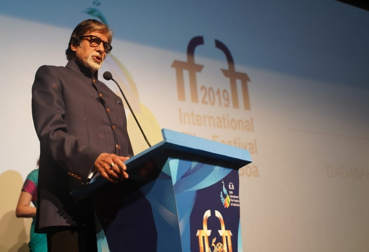 IFFI Day Two: Big B inaugurates Dadasahe...