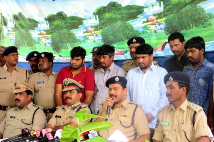 Vijayawada railway cops bust interstate ...