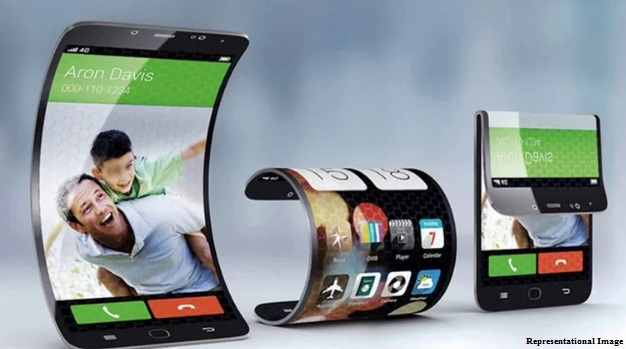 Foldable phones within five years